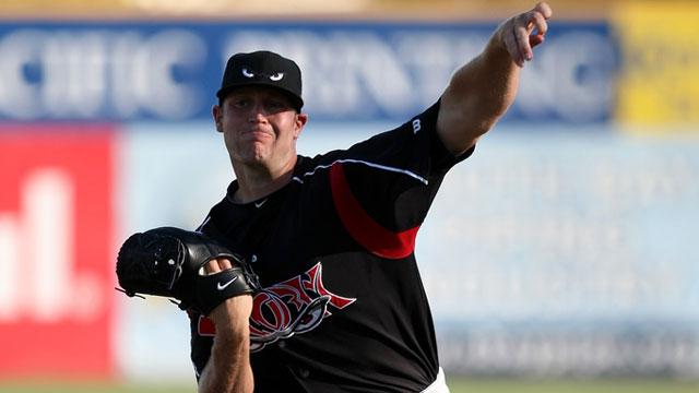 Padres send lefty prospect Schmidt to Rockies