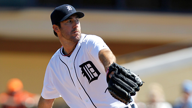 Berry's triple big for Tigers in Verlander's debut