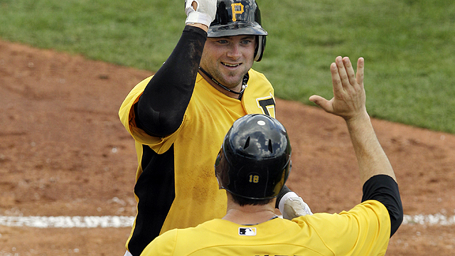 Pirates top Astros in see-saw, extra-inning affair