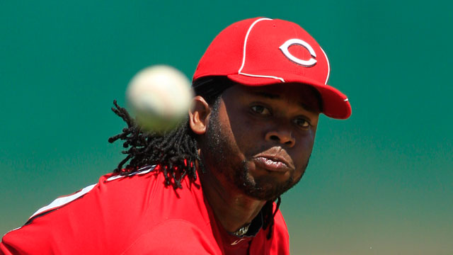 Cueto strong outside of two solo homers