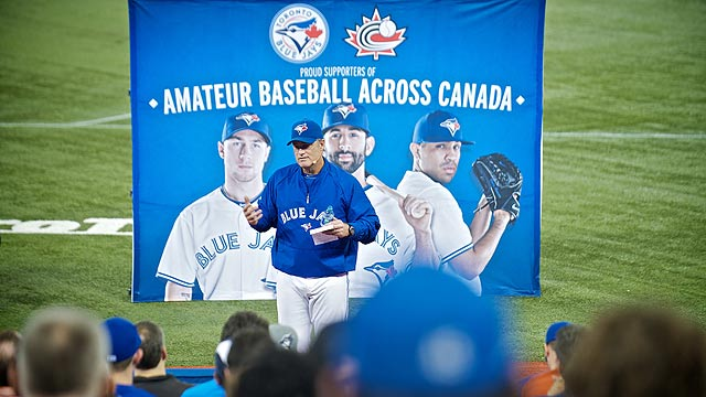 Blue Jays coaches share wisdom at clinic