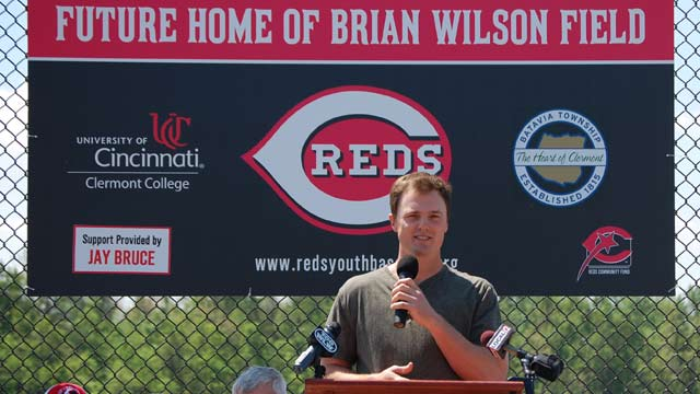 Reds, Bruce team up to honor late scout