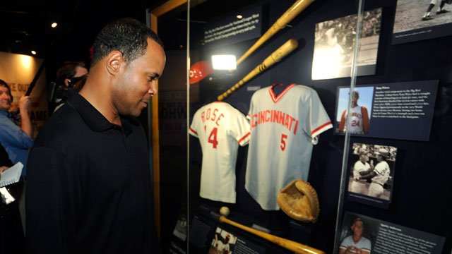 Before induction, Larkin visits HOF for first time
