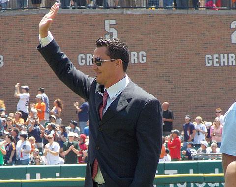 Magglio homenajeado al retirarse en Detroit