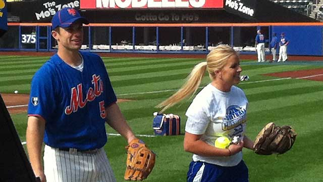 Hofstra's Galati shows off her knuckleball