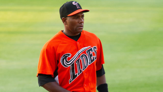 Tejada asks for, gets release from Orioles