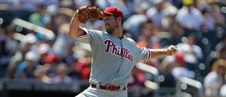 Cliff Lee finally gets his first win of 2012