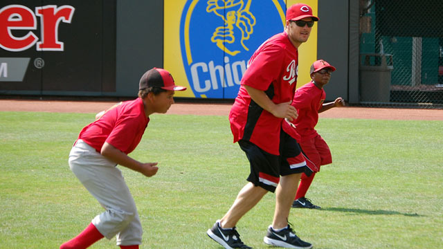 Reds open ballpark to PLAY Campaign's baseball clinic