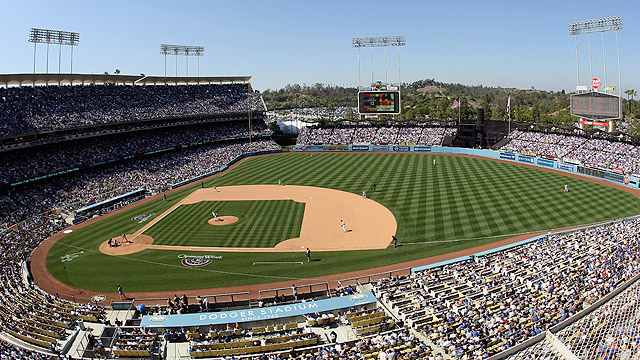 Dodgers hire Smith to direct stadium revitalization