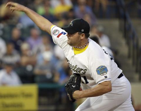 Astros seguirán monitoreando a Clemens