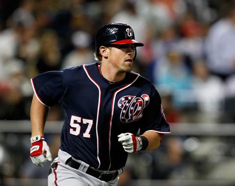 HR de Moore clave en victoria vs. Mets