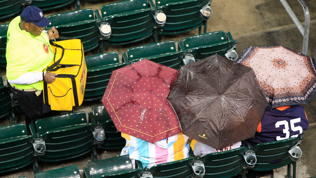 After rainout, Twins to play two on Sunday