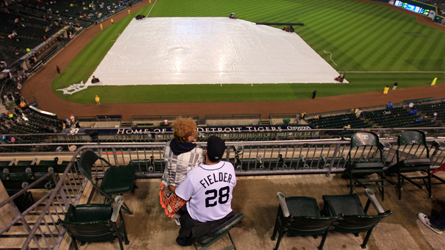 Tigers rained out, to play doubleheader Sunday