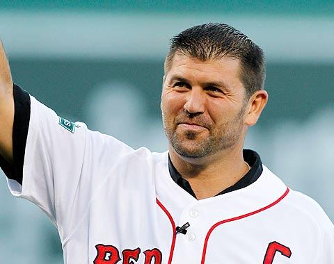 Varitek vuelve a Boston como asistente al GG