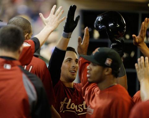 Astros pegan cuatro HRs en la victoria