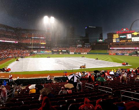 Gigantes-Cardenales demorado por lluvia