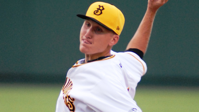 Kaminska allows one hit in Scorpions' rout