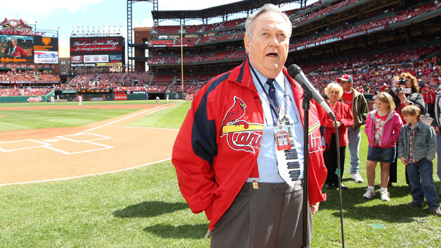 Longtime Cardinals organist Hays dies at 77