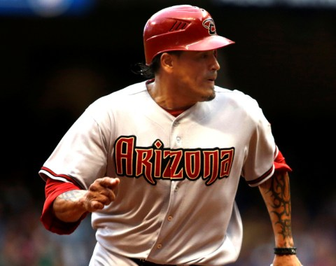 Diamondbacks dan de baja a Henry Blanco