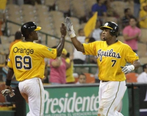 Tejada y Peña comandan victoria de Águilas