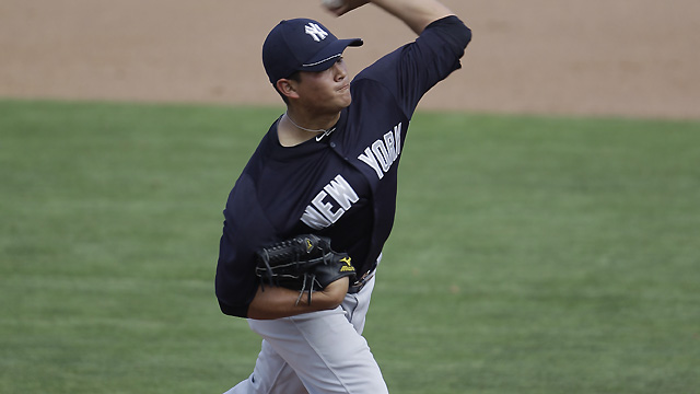 Banuelos among six added to Yankees' roster