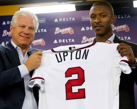 Bravos oficializan su contrato con B.J. Upton