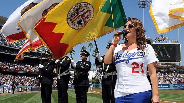 'Viva Los Dodgers' staple Rivera dies in plane crash