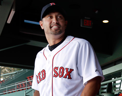 Boston concreta acuerdo con Victorino