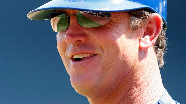 Dickerson promoted to third-base coach