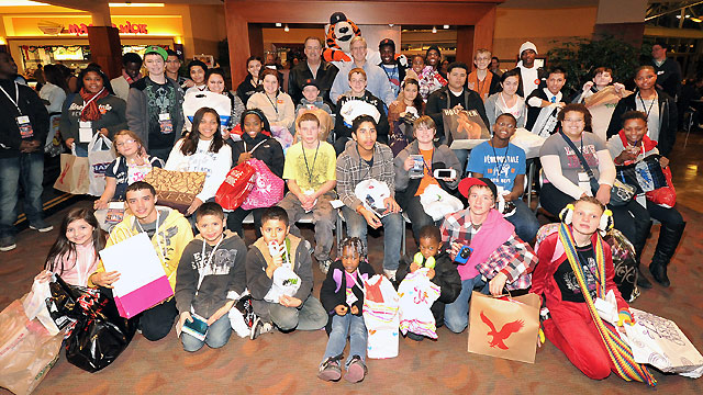Tigers surprise children with shopping spree