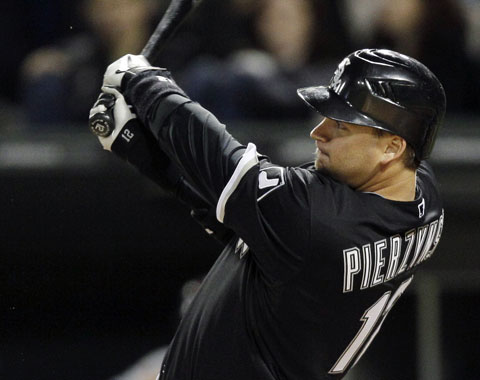 Texas hace oficial el contrato de Pierzynski