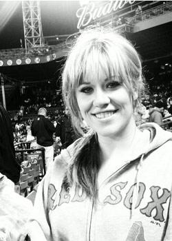 Idol Finalist Erika Van Pelt Also Loves Her Sox | MLB.com: News