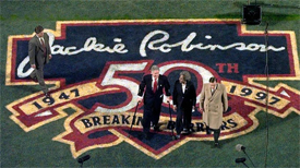 President Clinton, Rachel Robinson & Bud Selig honor the retirement of Jackie Robinson's number